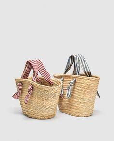 Cute beach bags Ethnic Bag, Beach Accessories, Basket Bag, Summer Bags, Handmade Bags, My Bags, Straw Bag, Wicker, Tote Bag