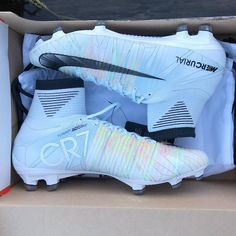 Best Soccer Shoes, Nike Soccer Shoes, Nike Football Boots, Nike Cleats, Soccer Outfits, Football Cleats, Fifa Football, Football Players, Womens Soccer Cleats