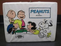 Vintage Peanuts Snoopy Charlie Brown Vinyl Lunch Box from 1972 with Thermos RARE