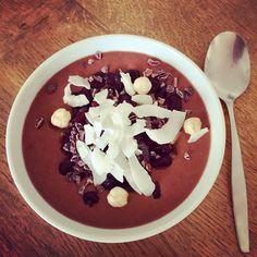 Csokis-körtés-banános Smoothie Bowl Smoothie Bowl, Acai Bowl, Tej, Pudding, Breakfast, Food, Acai Berry Bowl, Morning Coffee, Custard Pudding