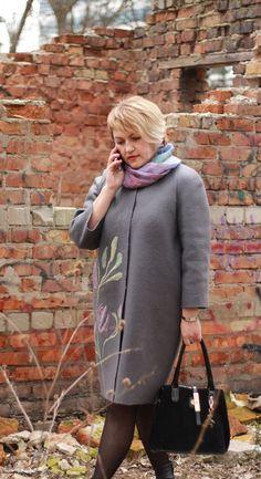 """Купить Валяное пальто-кокон """"Весенние цветы"""" - серый, цветочный, валяное пальто, шелковый трансфер"""