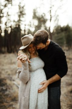 Down to earth, natural, & intimate wedding photographer for all based in Bend, Oregon. Maternity Photo Outfits, Winter Maternity Photos, Maternity Pictures, Winter Pregnancy Photos, Maternity Photography Poses, Maternity Poses, Family Photography, Photography Props, Bohemian Maternity
