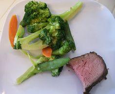 theworldaccordingtoeggface: Lotsa Love for Leftovers - Steak and Broccoli Leftovers