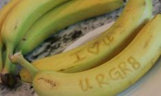 bananas secret writing with toothpick Healthy Packed Lunches, Lunch Snacks, Lunch Box, Packing School Lunches, Lunch On A Budget, First Birthday Cake Topper, Kids Lunch For School, Kids Meals, Just For You