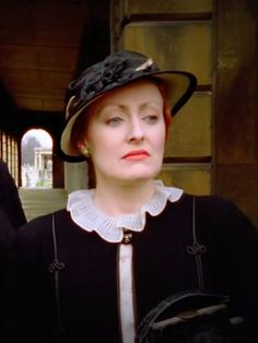 If you asked me whether Miss Lemon wore white and pastel colored outfits in the series I would probably say no. She wears more often stron. Agatha Christie's Poirot, Hercule Poirot, 1930s Fashion, Art Deco Fashion, Mystery Film, Bbc Tv Shows, David Suchet, Detective Series, God