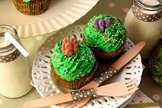 Desirvientadas: Jungle Cupcakes (Reto semanal de la magdalena: S-50.Magdalenas de cereza y coco)