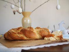Ein Rezept für einen fluffigen Osterkranz Cooking, Diy Tutorial, Easter Activities, Bakken, Recipies, Kitchen, Brewing, Cuisine, Cook