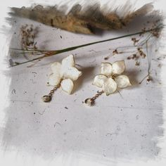 Kwiatowe kolczyki z łańcuszkiem Jewerly, Stud Earrings, Jewlery, Schmuck, Stud Earring, Jewelry, Jewels, Jewelery, Fine Jewelry