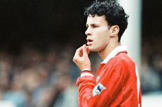 Is Ryan Giggs the greatest Manchester United player of all time? Manchester United Images, Manchester United Players, Manchester United Football, Beautiful Men, All About Time, How To Become, The Unit, Memories, Scrapbook