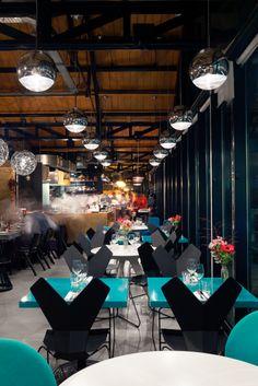 Restaurant I Hotel I Interior I Eating Chair I Ess-Stuhl I schwarz black I Ergnomie Stuhl I glasfaserverstärkte Nylon I Y Chair by Tom Dixon