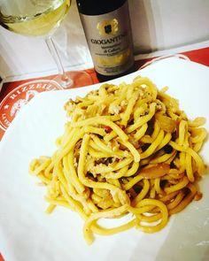 Delizie per il palato...spaghettoni con tonno e cipolla caramellata!