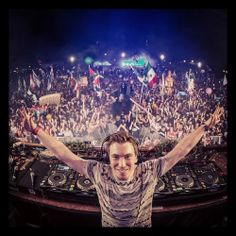 """EDM Idol Hardwell! """"If you can dream it, you can do it"""" Check out www.edmworldmagazine.com for the latest issue ! #edmlife #edm #rave #Hardwell #music go HARDWELL or go home"""