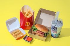 WHAT 2,000 CALORIES OR MORE LOOKS LIKE AT ALMOST EVERY FAST FOOD CHAIN