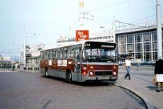 Oude rotterdam centraal met oude stadsbus RET foto van Ger In T Hout