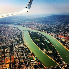 Budapest from your landing plane. Capital Of Hungary, Visit Budapest, Heart Of Europe, Central Europe, City Lights, My Dream, Landing, Adventure Travel, Airplane View