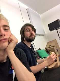 Olly & Mikey taking a break during rehearsal Olly Alexander, Edm, Techno, My Idol, Celebs, Noodle, Musicians, King, Baby