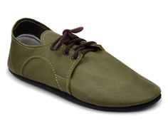 Dash RunAmoc made from olive green vegetable-tanned leather. Highly #sustainable #shoes! #ecopell