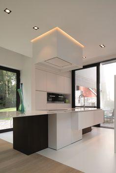 Transition of floors Beautiful Kitchen Designs, Modern Kitchen Design, Beautiful Kitchens, Luxury Rooms, Luxury Interior, Ultra Modern Homes, Studio Kitchen, Shabby Chic Kitchen, Cuisines Design