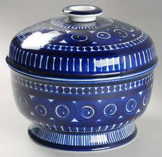Arabia of Finland Valencia Tureen & Lid New China, Blue China, Yves Klein Blue, Blue Furniture, Vintage Kitchenware, White Dishes, Vintage Cups, Scandinavian Art, Lassi