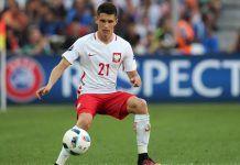 Leicester complete signing of winger Bartosz Kapustka