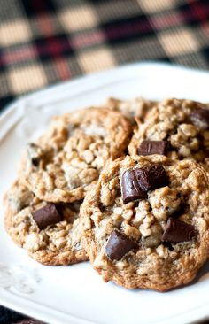 Chocolate Chunk Oatmeal Cookie Recipe - These chewy oatmeal cookies are loaded with chocolate making them the perfect ooey-gooey comfort cookie!