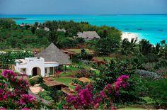 A magnificent private sanctuary of eleven exclusive villas with their own plunge pool… Diamonds La Gemma dell'est http://afrobougee.com/diamonds-la-gemma.html#.U-X-eJRS7hQ.twitter