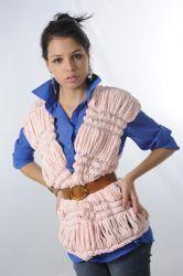 Chaleco  Elige tu lana en Atika, sugerimos que utilices lana Nuance. Disponible en varios colores. www.facebook.com/atika.bolivia Nuance