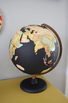 DIY - great ideas chalk board painted globe - love the black against the vintage globe colors; Globe Projects, Globe Crafts, Painted Globe, Hand Painted, Globe Art, Ideas Prácticas, Vintage Globe, Chalkboard Paint, Chalk Paint