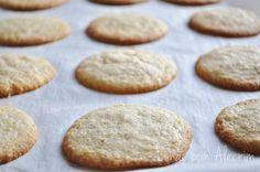 cookie de limão sem glúten (margarina, acucar demerara, limao, farinha de arroz, farinha de amendoas)