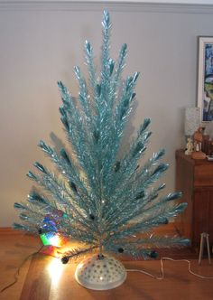 Vintage Aluminum tree 6' RARE Aqua Blue + Roto wheel + Revolving stand Wow 60's in Collectibles | eBay