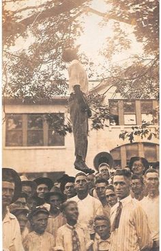 Let's seek JUSTICE for our historical fallen Black brothers & sisters. for historical American Lynching of innocent African Americans.Lest We Forget Foto Real, Black History Facts, Civil Rights Movement, African Diaspora, Before Us, African American History, The Victim, World History, Black People