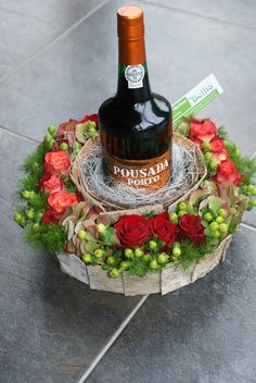 Combine your table wine and centerpiece into one - great for smaller table sizes. Just like my champagne floral arrangement pin. Love Flowers, Diy Flowers, Fresh Flowers, Flower Decorations, Beautiful Flowers, Flowers Wine, Deco Floral, Arte Floral, Floral Design