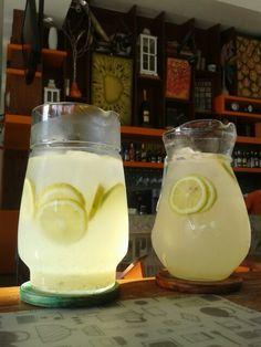 Aguas saborizadas en Aniceto Coffee Bar & Grill