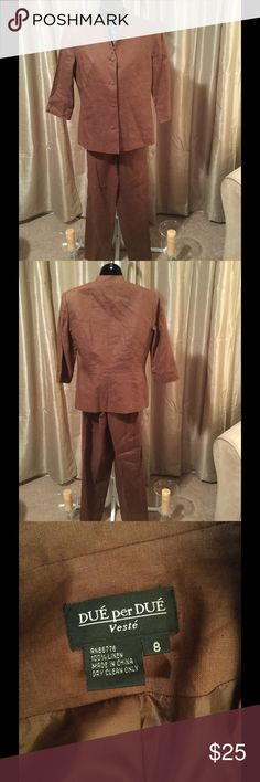 Ladies Pants Suit This lovely brown linen suit says cool and classy! Nearly new with no rips, stains or smells. Bundle and save even more! Due' per Due' Other