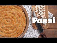 Οι μέρες της Τυρινής έρχονται και η διάσημη στριφτή τυρόπιτα Κοζάνης Κιχί είναι ιδανική για να γευτούμε το πλεγμένο τραγανό φύλλο της γεμιστό με φέτα. Cheese Pies, Snack Recipes, Snacks, Greek Recipes, Holiday Cookies, Pie Dish, Apple Pie, Food Art, Food To Make