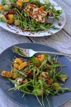 The Recipe Suitcase: Savoury Wednesday: Quinoa Salat mit gegrilltem Halloumi Käse, getrockneten Aprikosen und eingelegter Paprika