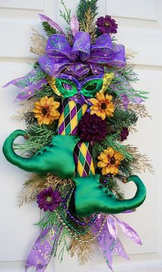 Whimsical Mardi Gras Wreath! (ebay - no longer available)