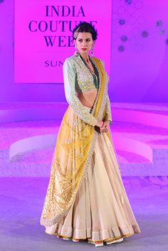 Anju Modi - Amazon India Couture Week 2015