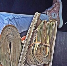 I am a rich and powerful money magnet and money flows effortlessly with abundance to me nonstop Mo Money, How To Get Money, Money Budget, Budget Plan, Quick Money, Money On My Mind, Money Stacks, Expensive Taste, Rich Life