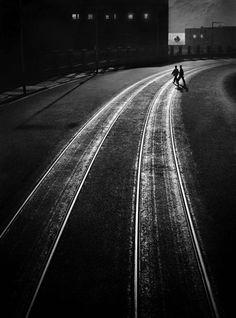 Hong Kong de nit. Fotografia de Fan Ho feta el 1956.
