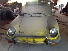 1972 Fiat 850 Spider Convertible for sale Abandoned Cars, Abandoned Buildings, Abandoned Vehicles, Fiat 850, Old Classic Cars, Barn Finds, Car Ins, Old Cars, Cars For Sale