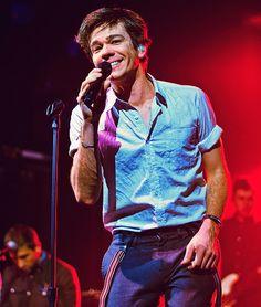 He aways looks like he's enjoying himself on stage-like a true performer.