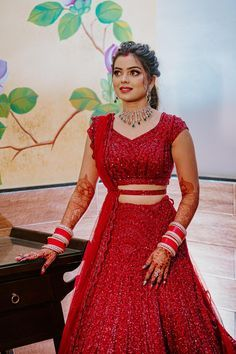 Indian Bridal Outfits, Indian Fashion Dresses, Indian Bridal Wear, Dress Indian Style, Indian Wedding Gowns, Indian Weddings, Red Lehenga, Bridal Lehenga Choli, Indian Lehenga