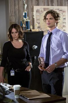 """Jennifer Love Hewitt on Criminal Minds . Now, CBS has given us an idea of what brings her agent into the fold next month .T he network has released the official synopsis for """"X,"""" the Criminal Minds Season 10 premiere that airs on 1 October 2014 .    Read more: http://www.tvfanatic.com/2014/09/criminal-minds-season-10-premiere-welcome-kate-callahan/#ixzz3CCnGwjI2"""