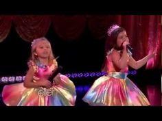 Sophia Grace & Rosie Perform 'Love on Top'