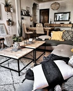 So here's my boho living room inspiration. Boho Living Room, Home And Living, Living Room Decor, Living Spaces, Cosy Living Room Warm, Cosy Room, Modern Living, Living Room Inspiration, Home Decor Inspiration