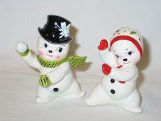 Vintage Christmas Norcrest Mr Mrs Snowman Snowball Fight Salt Pepper Shakers