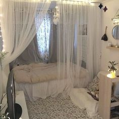 Room Design Bedroom, Room Ideas Bedroom, Small Room Bedroom, Small Teen Room, Zen Bedroom Decor, Small Room Interior, Romantic Bedroom Design, Neon Bedroom, Study Room Decor