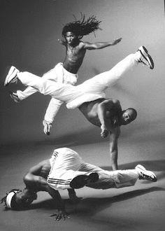 between hip hop & capoeira Tango, Street Dance, Shall We Dance, Lets Dance, Tap Dance, Hip Hop Dance Moves, Urban Dance, Foto Sport, Jazz