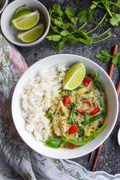 Low FODMAP Thai green curry - fresh, flavorful, and IBS friendly. Made without onion, garlic, or other high FODMAP foods typically in traditional curries